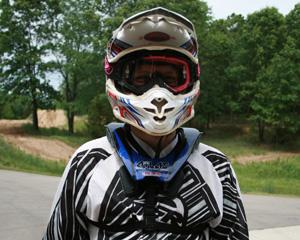 Kakla sargi motokrosa, BMX un vienkāršiem velobraucējiem